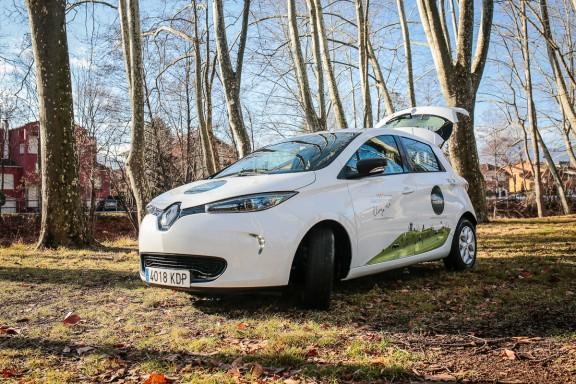 Vés a: Olot  és el primer municipi gironí on ja es pot compartir el cotxe elèctric