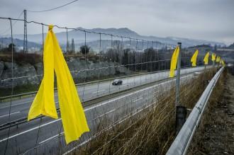 Vés a: Arenys de Munt, el primer municipi que sancionarà qui retiri llaços grocs