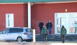 Vés a: Torrent visita Forcadell i Bassa: «Estan fortes i serenes, plenes de dignitat»
