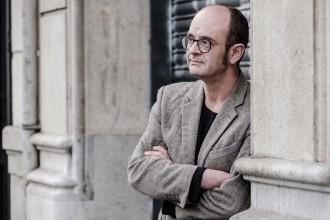 Vés a: Sebastià Alzamora publica «La netedat»: «El llibre ha estat una manera de sentir-me viu»