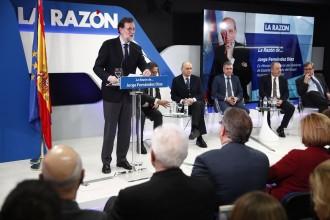 Vés a: Rajoy apel·la ara a l'Estatut per trobar una solució al xoc amb Catalunya