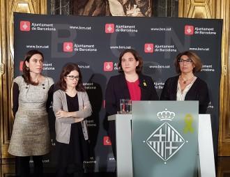 Vés a: Colau rep les famílies dels presos polítics: «No va d'independència, va de drets humans»