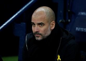 Vés a: L'original gest dels aficionats del Manchester City per donar suport a Guardiola