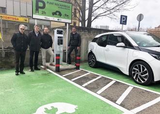 Vés a: Solsona estrena el primer punt de recàrrega de vehicles elèctrics comarcal