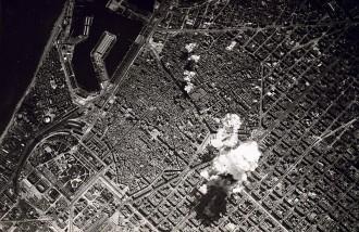 Vés a: VÍDEOS El dia que l'aviació feixista va bombardejar Barcelona, avui fa 80 anys