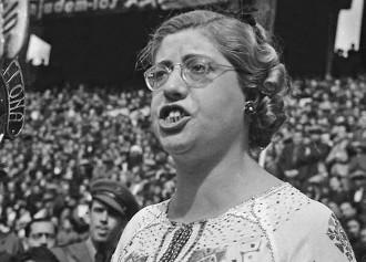 Vés a: Feminisme en temps de guerra: Maria Dolors Bargalló, una dona de la República