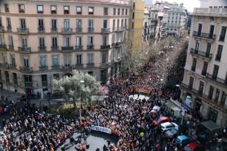 Vés a: El clam per unes pensions «dignes» s'estén a Barcelona amb una protesta multitudinària