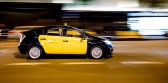 Vés a: Un jutjat de Barcelona no creu que Uber faci competència deslleial al taxi