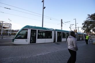 Vés a: Maldecaps de Colau amb el tramvia: qui hi ha darrere la polèmica enquesta?