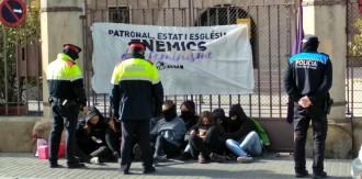 Vés a: Joves d'Arran s'encadenen al Bisbat de Lleida a favor del feminisme
