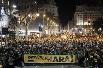 Vés a: «Units contra la repressió:» l'independentisme torna a les places