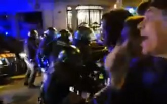 Vés a: VÍDEOS Diversos ferits en les càrregues dels Mossos contra els manifestants a Barcelona