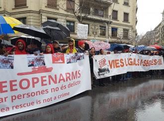 Vés a: Unes 300 persones es concentren a Barcelona en suport a Proactiva Open Arms
