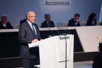 Vés a: Crítiques i avals al canvi de seu en la primera junta d'accionistes del Banc Sabadell a Alacant