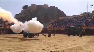 Vés a: VÍDEO Espectacle bèl·lic de la Guàrdia Civil amb canons i blindats per a infants