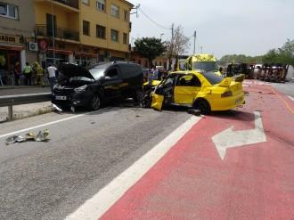 Vés a: VÍDEO Dos ferits en un accident múltiple a la C-35 a Sant Celoni