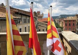 Vés a: La bandera espanyola torna a l'Ajuntament de Vic