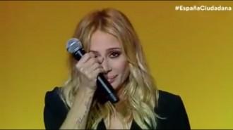 Vés a: VÍDEO Les llàgrimes de Marta Sánchez en un acte de Ciutadans després de cantar l'himne espanyol