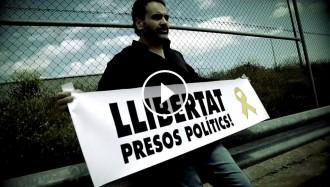 Vés a: VÍDEO Quim Vila canta «Democràcia!» a les presons de Madrid