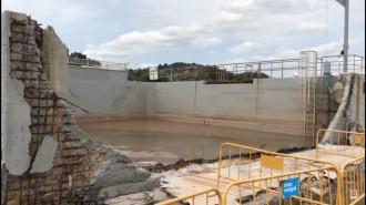 Vés a: VÍDEO Un trencament en una bassa al Cogulló provoca un vessament de salmorra al Llobregat