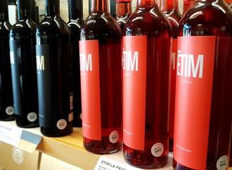 Vés a: Una prova pilot preveu reutilitzar 100.000 ampolles de vi a Catalunya