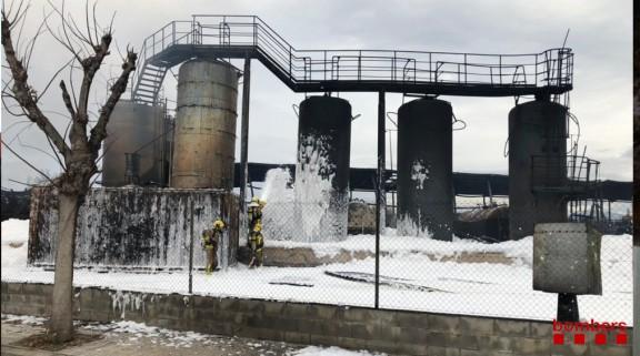 Vés a: La Fiscalia investiga la contaminació del Besòs provocada per l'incendi a Montornès