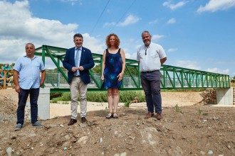 Vés a: Finalitzen les obres al nou pont de la riera d'Osor, plataforma de la via verda