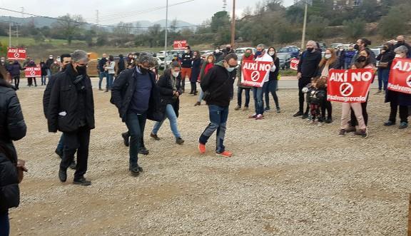 Vés a: Aguilar de Segarra deixa clara la seva oposició als parcs eòlics amb una concentració històrica