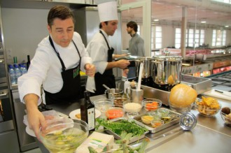 El xef Joan Roca trasllada l'alta gastronomia a la cuina domèstica
