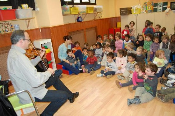 Llars d'infants públiques a 1.700 euros per nen