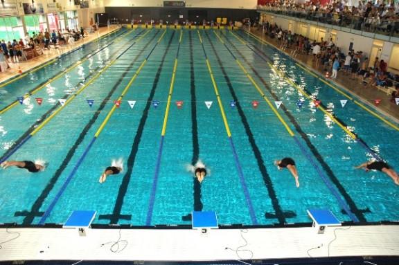 L 39 elit de la nataci torna a la piscina municipal de for Piscina municipal manresa