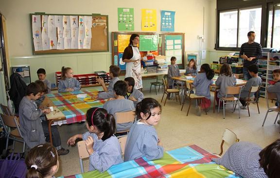 130 nous mestres per 735 nous alumnes