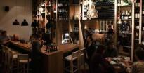 Vés a: El Disset Graus es renova apostant pel vi català