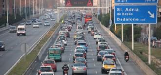 Vés a: El Govern activa la velocitat variable als accessos de Barcelona a causa de la contaminació