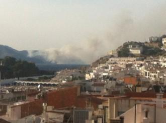 L'incendi de Portbou, extingit després de cremar 50 hectàrees