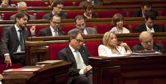 CiU i ERC acorden celebrar una consulta