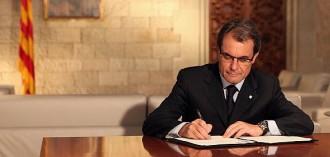 Artur Mas: «Ningú no pot utilitzar les armes contra la voluntat d'un poble»
