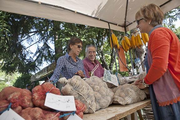 Proposen millores al decret de venda de proximitat d'agroaliments