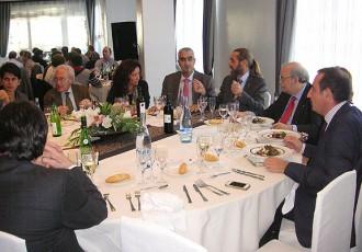El conseller Mas-Colell dina amb empresaris osonencs