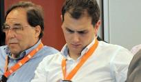 Vés a: Cara a cara entre Albert Rivera i Alfons López Tena a 8TV