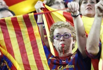Ada Colau, a favor de la xiulada a l'himne espanyol