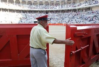 Vés a: L'última «corrida» de toros a la Monumental