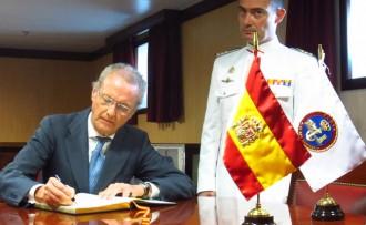 Foment del Treball porta a Barcelona el ministre de Defensa espanyol