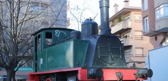 Què hi fa una màquina de tren a la rambla de Terrassa