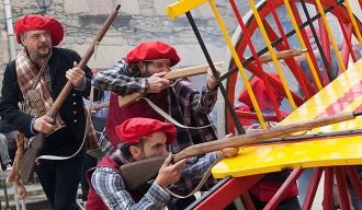 Carlins i liberals s'enfronten a Alpens en una acarnissada batalla