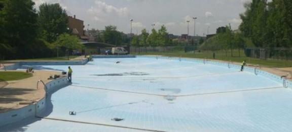 Els abonaments per a la piscina de vallparad s dilluns for Piscina municipal manresa