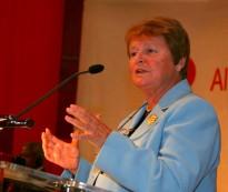 Vés a: Denuncien que s'atorgui el Premi Internacional Catalunya a Gro H. Brundtland