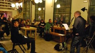 El col·lectiu Deus ex machina porta la poesia a l'Ateneu Candela