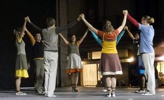 Manresa gaudeix d'una actuació de dansa amb molt cor