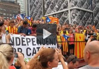 Vídeo: impressionant cant dels Segadors a Times Square, Nova York